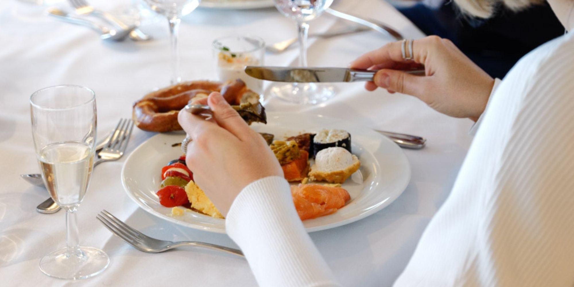 München Tivoli Restaurant - Hilton Munich Park brunch