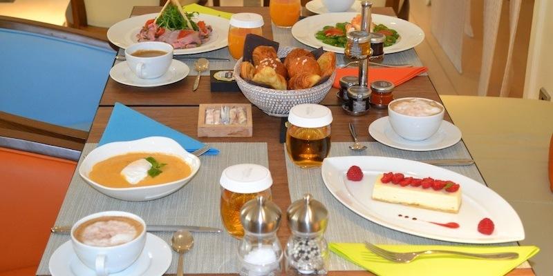 brunch majestic villa hotel 75016 paris 16 me oubruncher. Black Bedroom Furniture Sets. Home Design Ideas