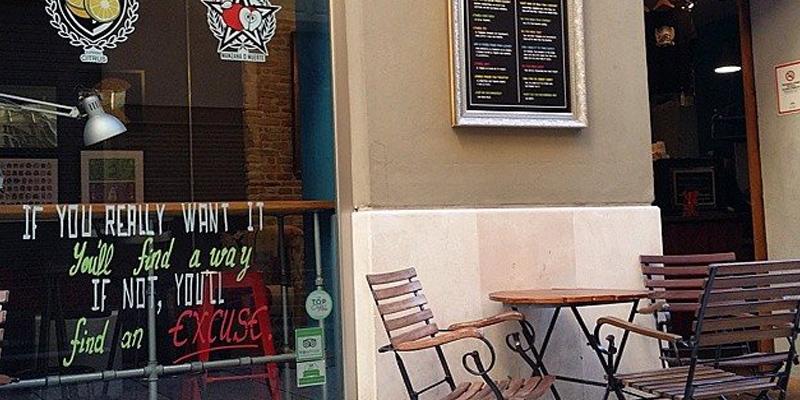 Málaga El Último Mono Juice & Coffee brunch