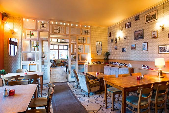 Cafe Datscha Brunch